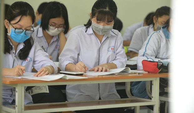 7 trường đại học đã thông báo cho sinh viên nghỉ học tập trung, hoãn thi để phòng chống dịch Covid-19