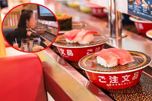 Hành động liếm sushi của nữ sinh Việt ở Nhật bị dân mạng ném đá dữ dội: Là đùa cợt thật hay là quá vô ý thức đây?
