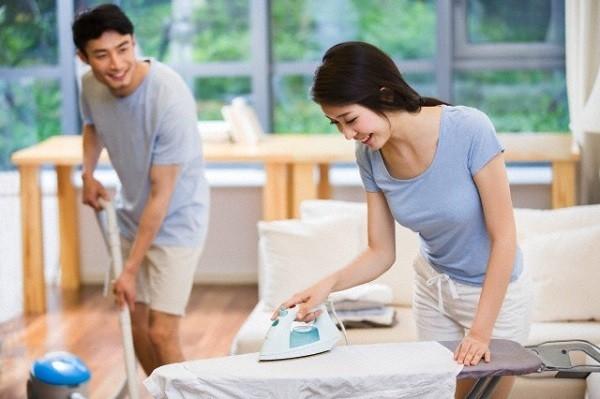 Chuyên gia tiết lộ 6 lợi ích không ngờ của giãn cách xã hội đối với các cặp đôi