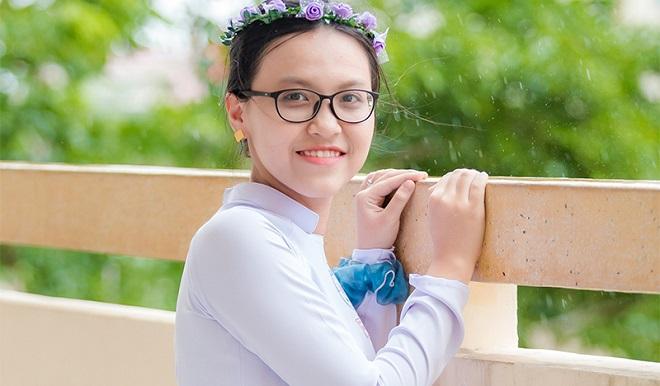 Thủ khoa khối B toàn quốc đạt 29,8 điểm, muốn chứng minh con gái có thể làm tốt mọi thứ