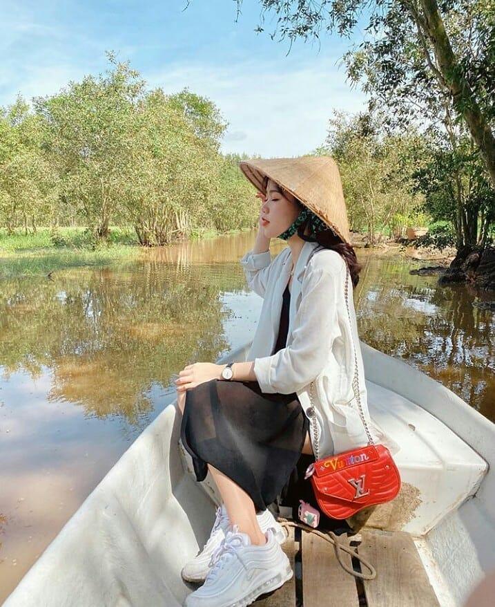 Ai sướng bằng Huỳnh Anh: Đã có cả tủ túi hiệu, nay lại được Quang Hải tặng thêm chiếc túi gần trăm triệu