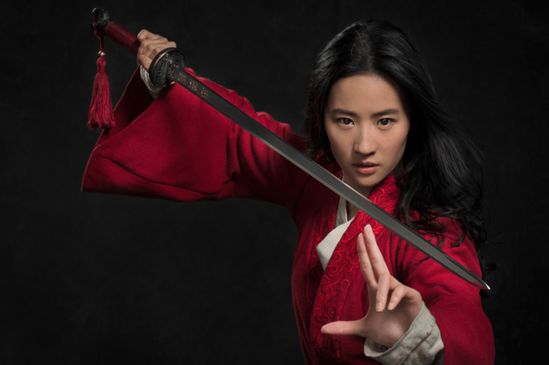 Mulan của Lưu Diệc Phi bị chính người nhà Disney quay lưng, gay gắt nhất là diễn viên Marvel