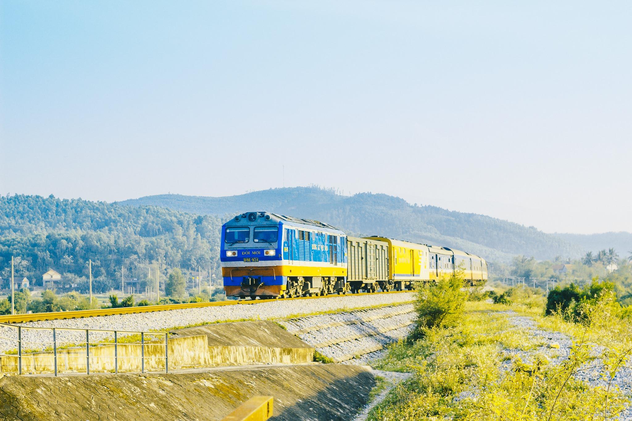 Tự hào tuyến đường sắt Hà Nội - Đà Nẵng lọt top ngoạn mục nhất Thế giới