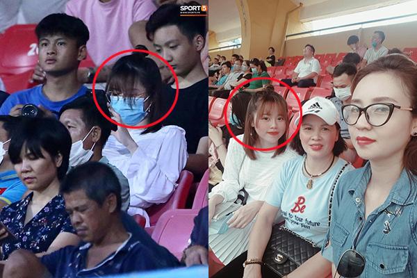"""Ra sân cổ vũ bạn trai nhưng lần nào cũng bị chê nhan sắc tơi tả, lần này Huỳnh Anh đeo khẩu trang cho """"vừa lòng thiên hạ"""""""
