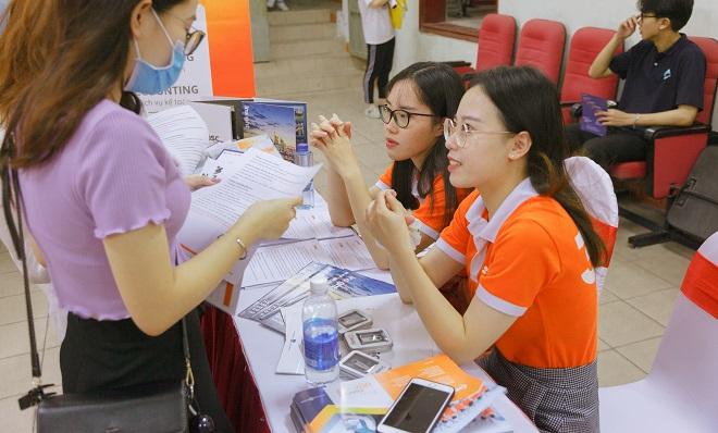 Ngày hội thực tập sinh - NEU Internship Day 2020: Hành trang thực tập cho sinh viên thời kỳ hậu Covid-19