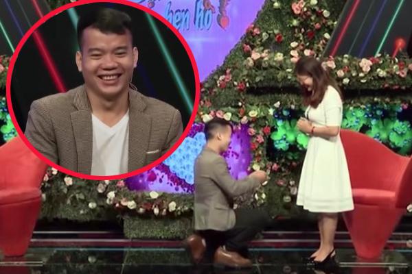 Vừa gặp nhau trên sóng truyền hình, chàng trai đã cầu hôn cô gái bằng nhẫn kim cương trị giá 500 triệu