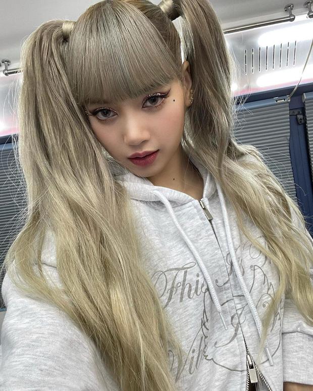 fan blackpink bất bình vì YG đối xử bất công với Lisa